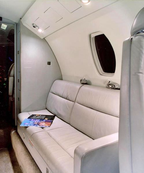 Nothing transforms a Citation 650 interior like a side-facing divan! Our 2-place divan provides an modern, open, comfortable atmosphere and in many cases, will allow you to accommodate additional passengers.