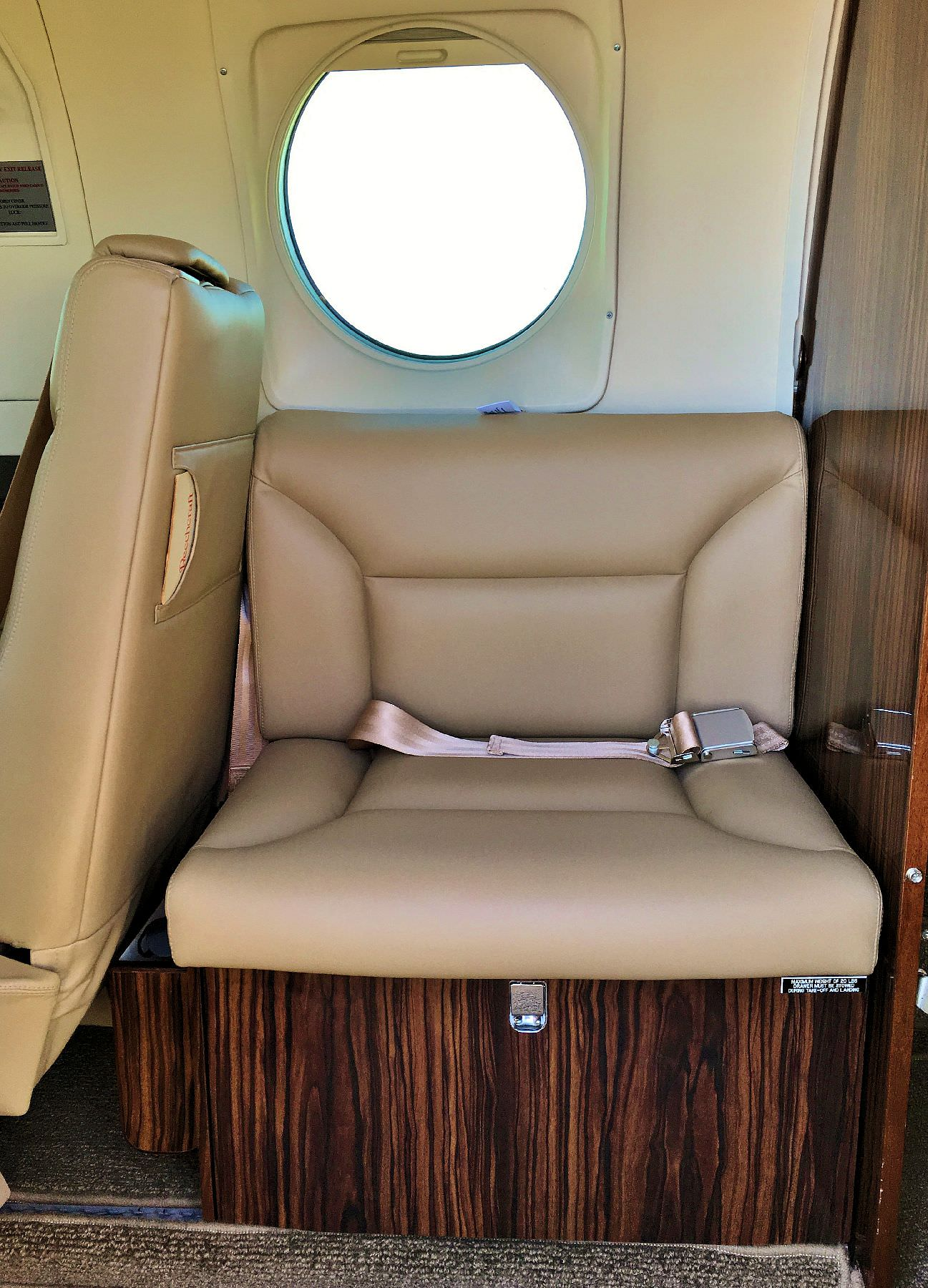AvFab's one place King Air Side Facing Seat is extremely versatile as it allows the forward facing RH seat to recline on KA90's while saving weight over OEM seat.  The included shoulder harness adds a margin of safety over the OEM seat.  AvFab's Side Facin